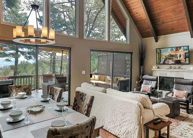 Cedar Hill: Gorgeous Cabin with Stunning Lake Views!, alquiler de vacaciones en Skyforest