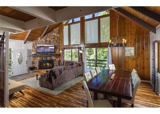 Grass Valley Retreat: Chic Mountain Chalet, alquiler de vacaciones en Blue Jay