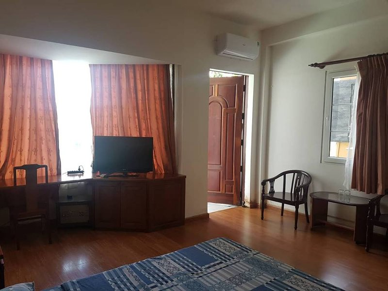 Le Thanh Ton service apartment $30, holiday rental in Ho Chi Minh City
