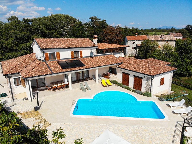 Arton Vila in the heart of Istria, Croatia, holiday rental in Zminj
