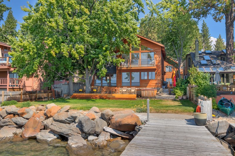 Brockway Vista Lakefront, holiday rental in Brockway