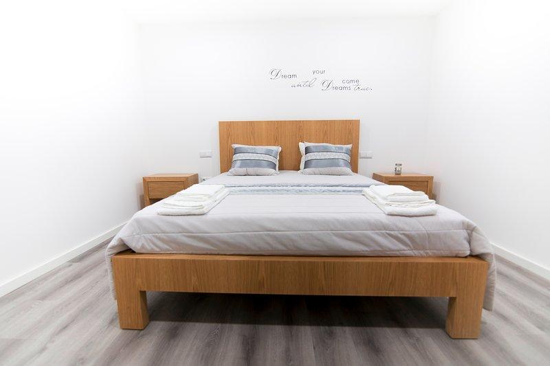 Room (s)