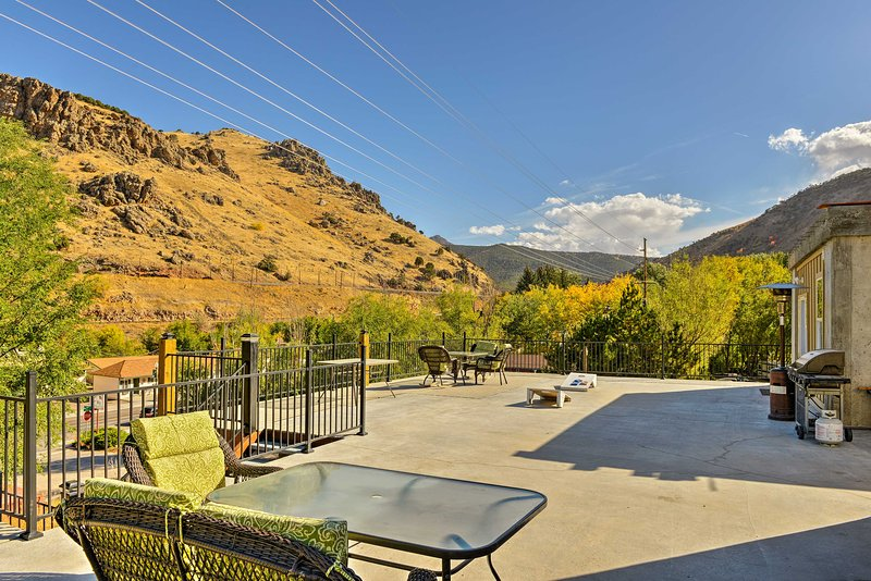 Lava Hot Springs Studio w/Views - Walk to River, vacation rental in Lava Hot Springs