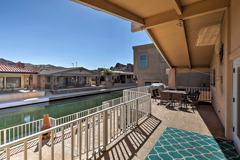 Canalfront Family Home w/Private 50-Foot Dock!, holiday rental in Parker