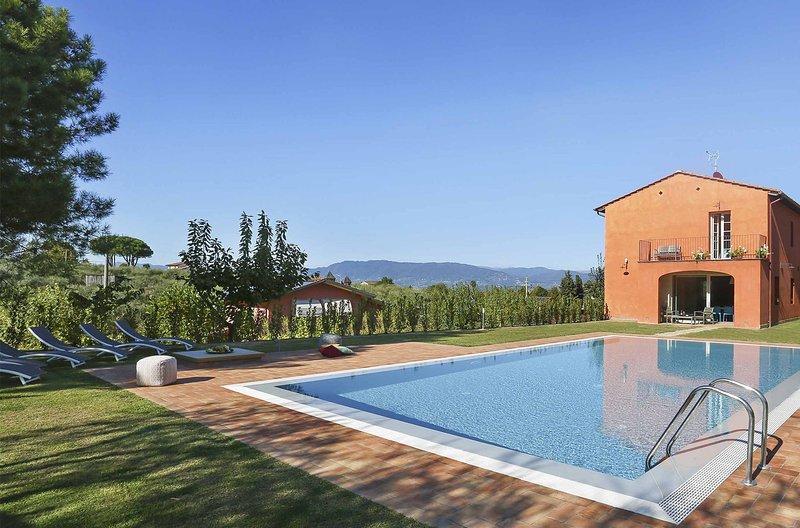 Uva, vacation rental in Colle di Compito