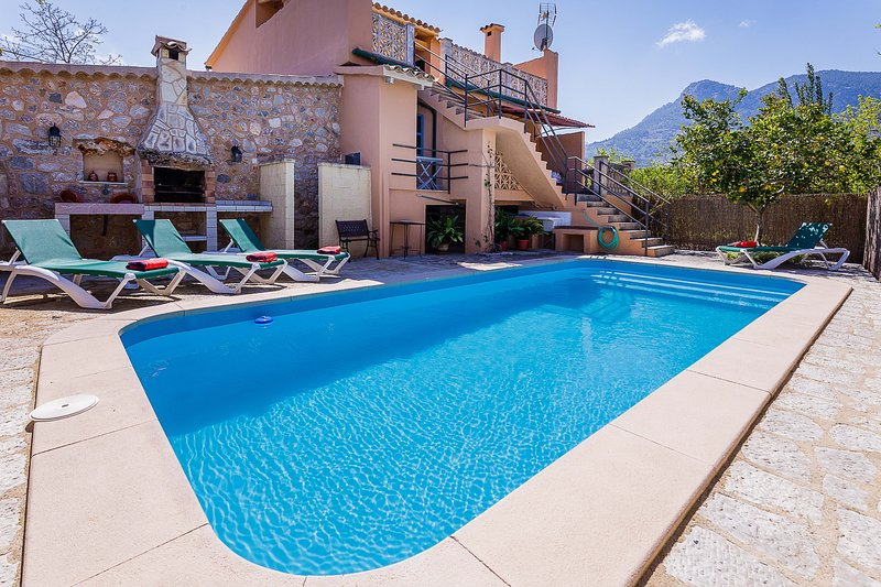 SOLLER villa with pool x 6 people, vacation rental in Soller