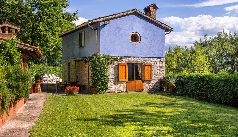 Villa 'La Chiesetta' near Frasassi Caves, alquiler vacacional en Fabriano