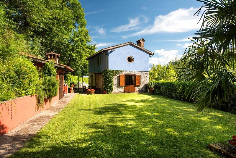 Villa 'La Chiesetta' near Frasassi Caves, location de vacances à Province of Ancona