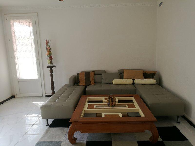 Magnifique 4pieces  3 chambres a550m de la mer Fréjus attenant st Raphaël, location de vacances à Fréjus-Plage