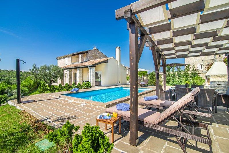 Villa JOSIPA, alquiler de vacaciones en Momjan