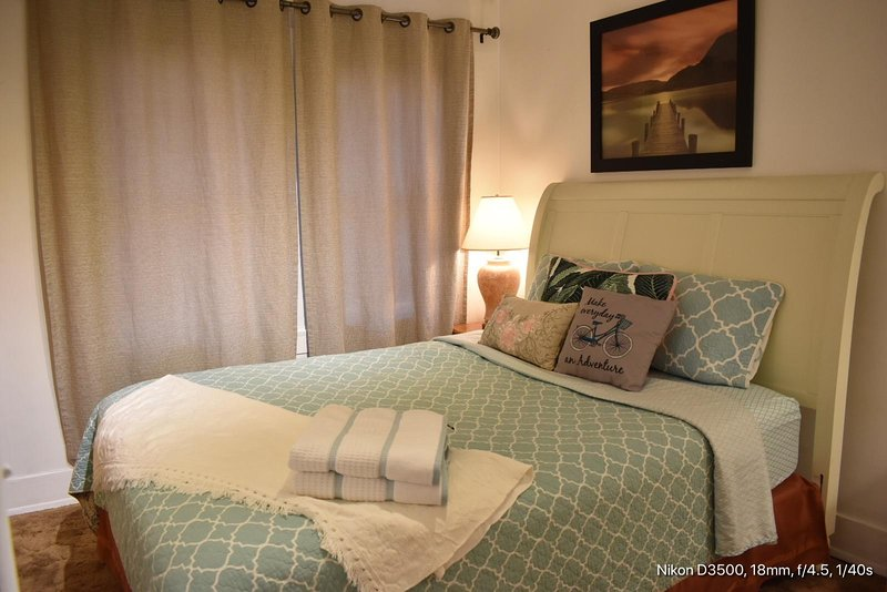 Cozy Room In Quiet Safe Neighborhood Has Internet Access And Wi Fi