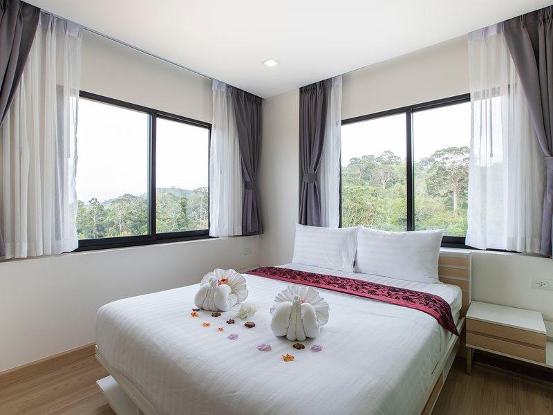 Happy Place Condo (1), location de vacances à Sakhu