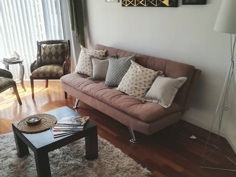 Cozy Apartment - Perfect Location, alquiler de vacaciones en Cumbayá