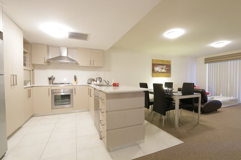 1 Bedroom Apartment Perth City Centre, vacation rental in North Perth