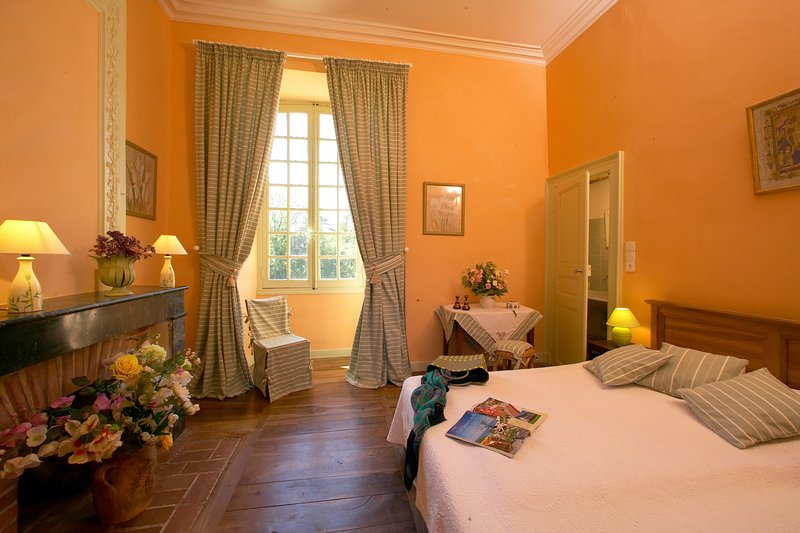 CHATEAU CARDOUX-SAINT-EXUPERY, holiday rental in Pontours