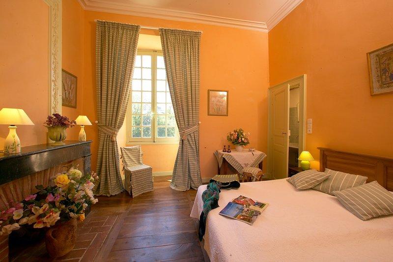 CHATEAU CARDOUX-SAINT-EXUPERY, holiday rental in Bourniquel