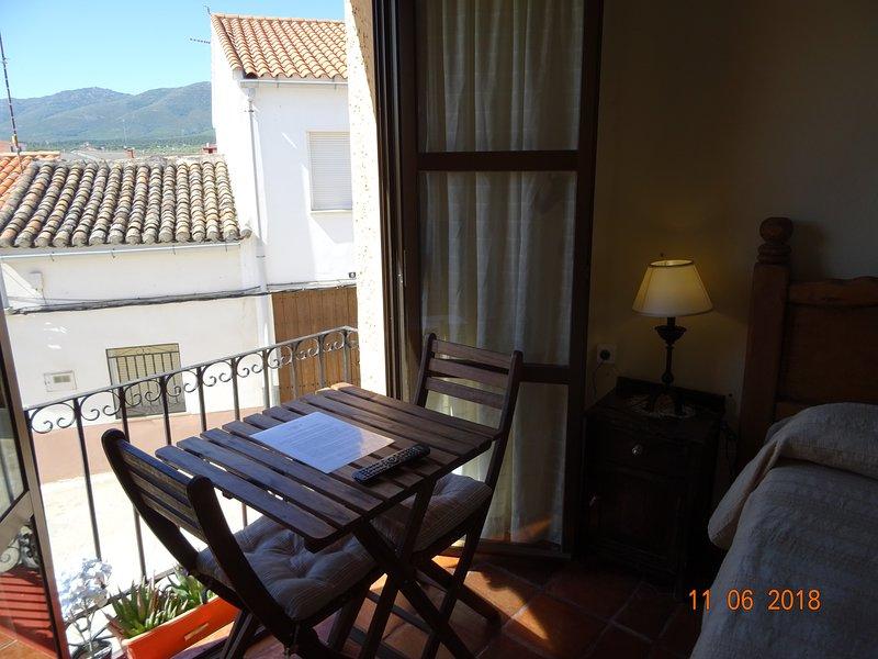 El Escudo de Calatrava. Habitación doble 2 camas, holiday rental in Sevilleja de la Jara