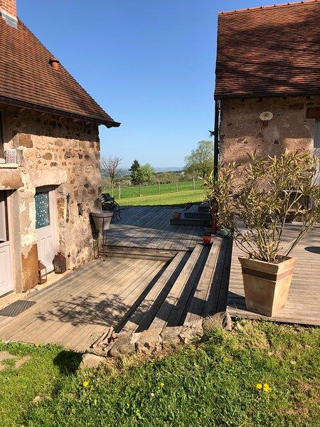 3 PETITES MAISONS DANS LA PRAIRIE, holiday rental in Saint-Igny-de-Vers