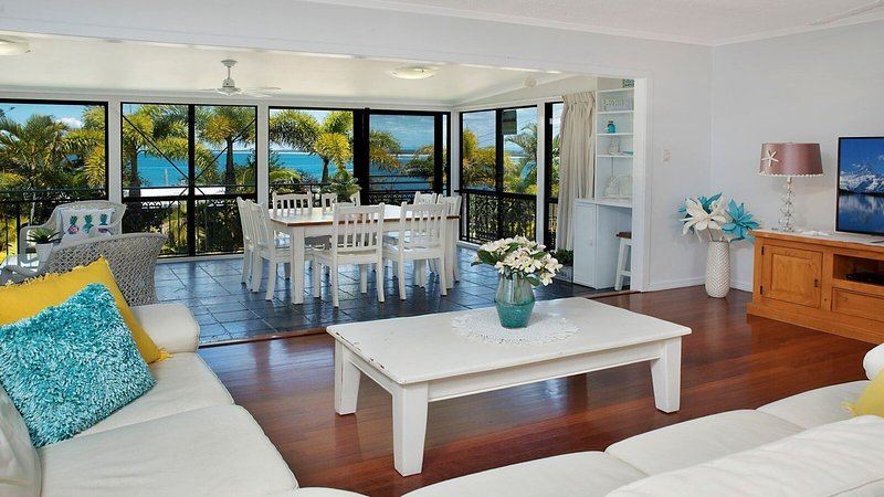 5 Margaret St Kings Beach QLD, vacation rental in Warana