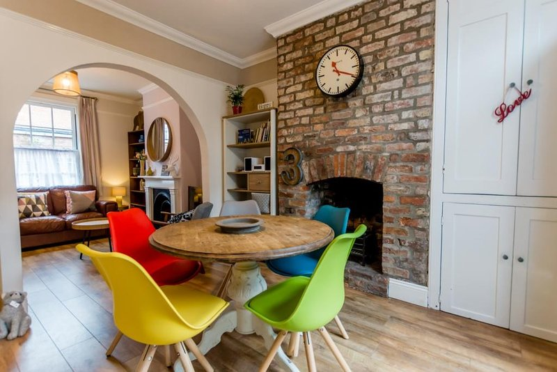 Quirky 3, bedroom house, holiday rental in York