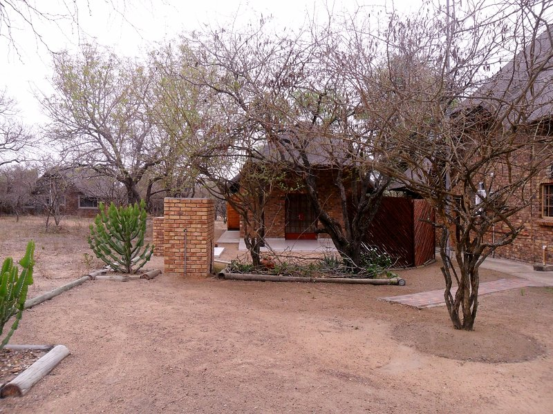 Berghaan Bush Cottage, Marloth Park, Mpumalanga, South Africa, holiday rental in Marloth Park