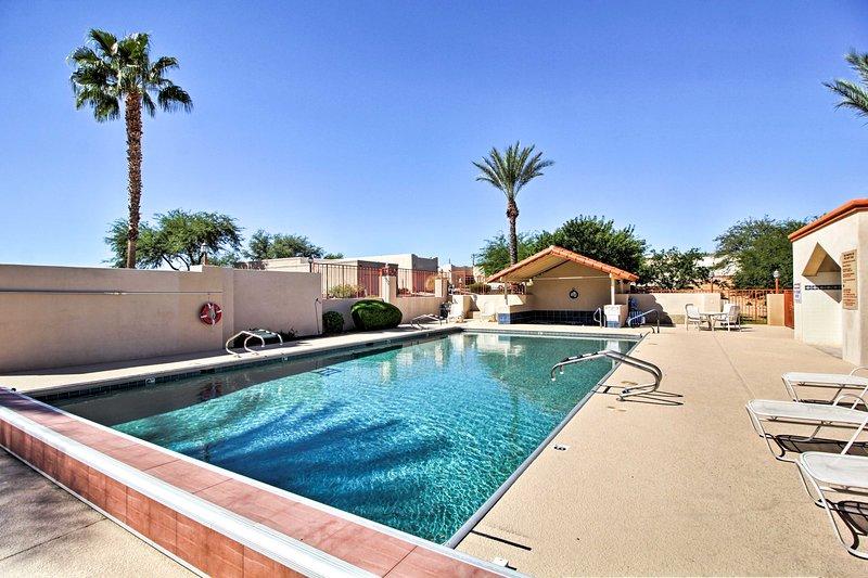 Con l'accesso a una piscina, letti per 4, e più questa casa è l'ideale per gli uccelli della neve.