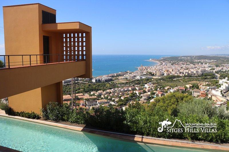 Stunning Villa Dumas with heated pool, amazing views, holiday rental in Garraf