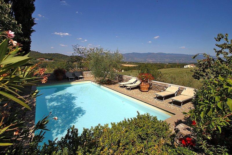San Cerbone Villa Sleeps 10 with Pool and WiFi - 5229105, holiday rental in Ponte Agli Stolli