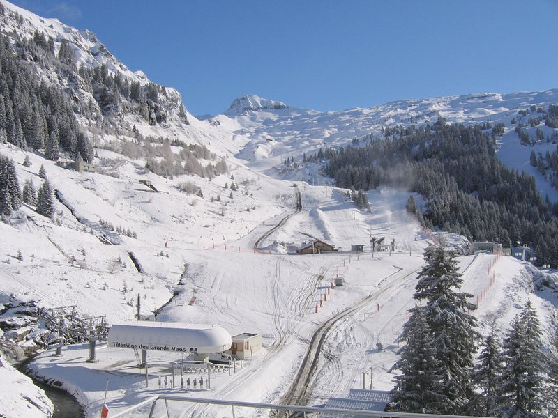Direct access to the slopes, Jacuzzi on site! Comfortable 5pers apartment Chalet in Flaine