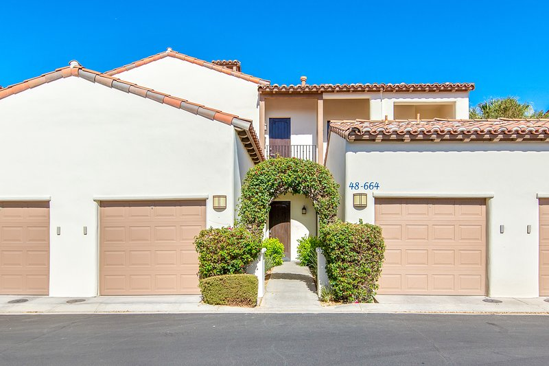 (L64) Cozy Retreat Close to Clubhouse, holiday rental in La Quinta