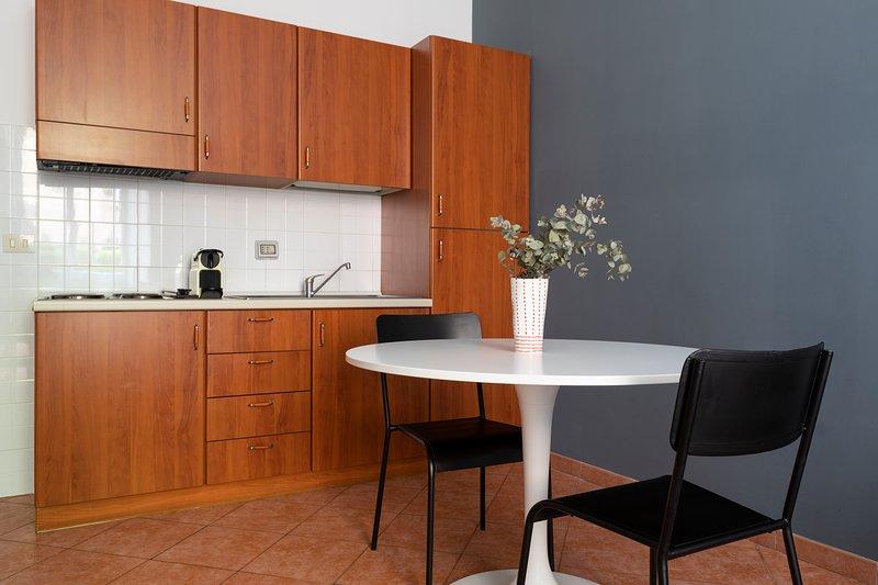 Full-size kitchenette