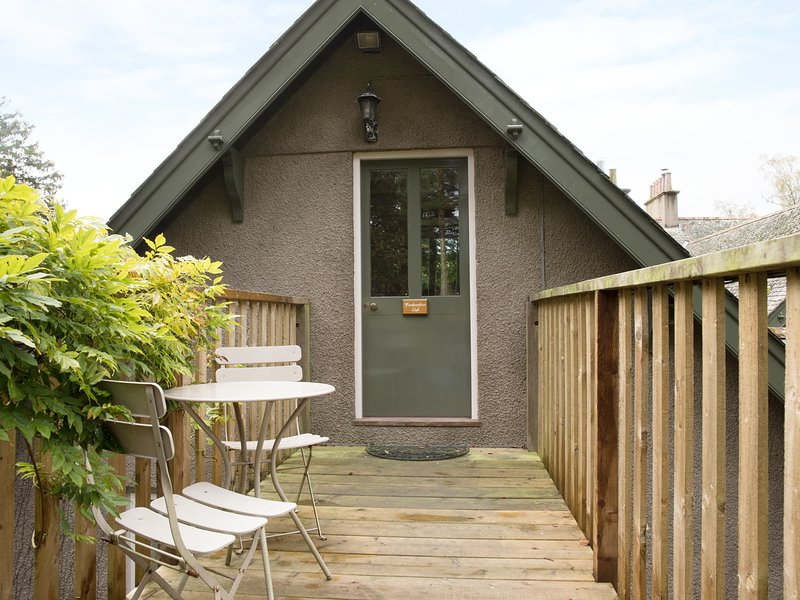 WOODPECKER LOFT, luxury holiday cottage, with a garden in East Anstey, Ref 8529, vacation rental in Knowstone
