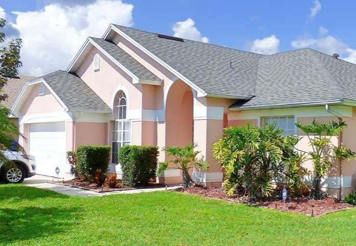 Sonshines Florida Villa, Peaceful Getaway  and Pool, location de vacances à Kissimmee