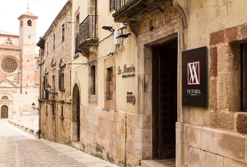 Alojamientos Victoria Aldebarán, vacation rental in Mirabueno