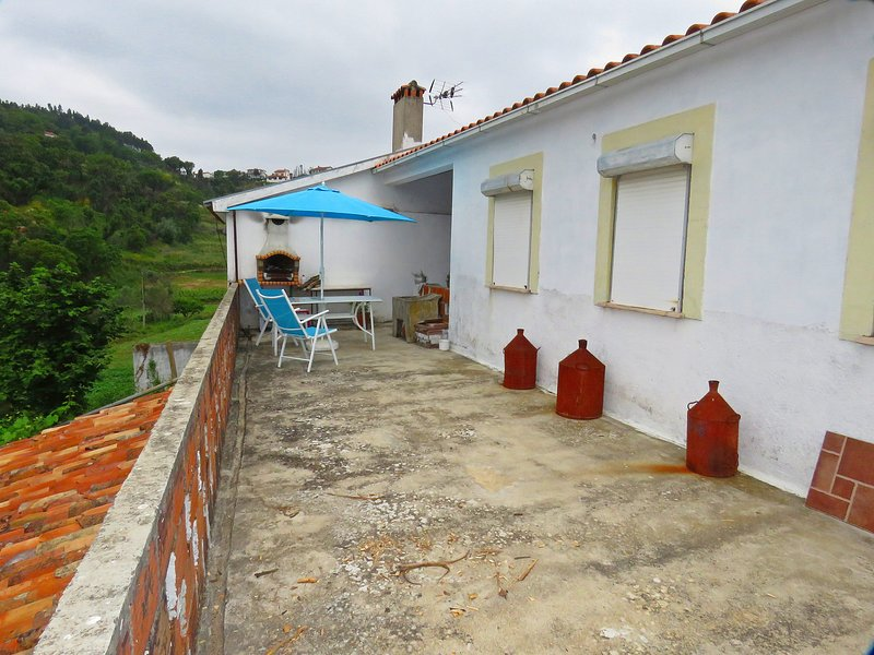 Nice house with terrace & Wifi, location de vacances à Almalagues