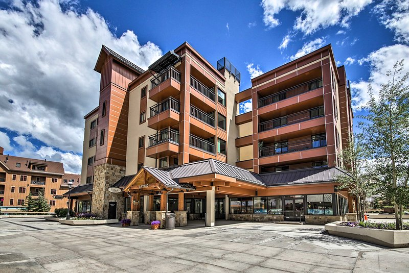 This ski-in/ski-out condo is the perfect home base for your next mtn getaway.