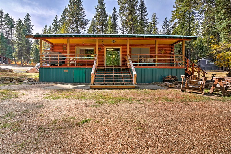 Find a home-away-from-home at this Cascade vacation rental cabin!