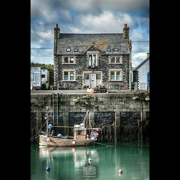 The Bait House, Portpatrick Harbour, holiday rental in Portpatrick
