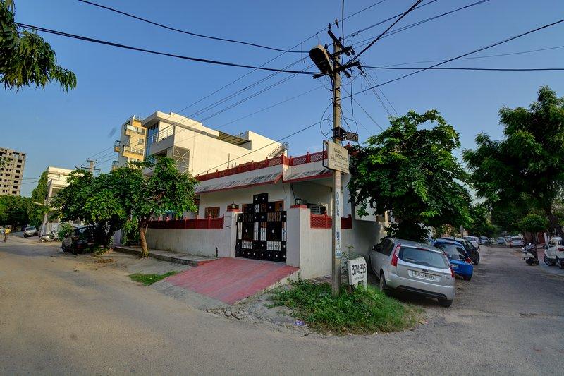 Anjana's Homestay- A luxurious 3 BR Home with breakfast, casa vacanza a Durgapura