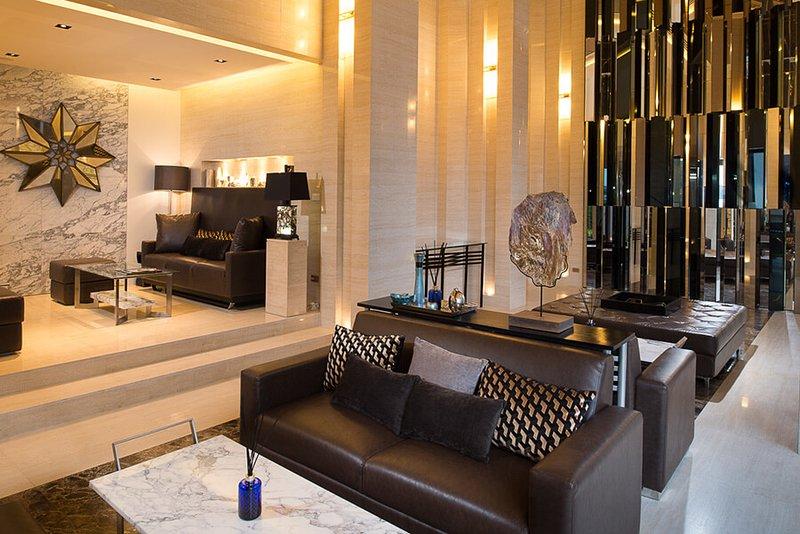 Luxury 1BR Condo, holiday rental in Koh Kaew