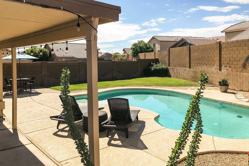 Spacious Phoenix Area Escape w/ Private Pool Patio, alquiler vacacional en Litchfield Park