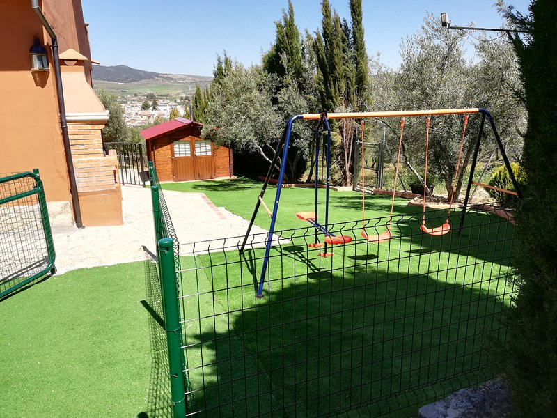 Spacious house with swimming-pool, holiday rental in Arriate
