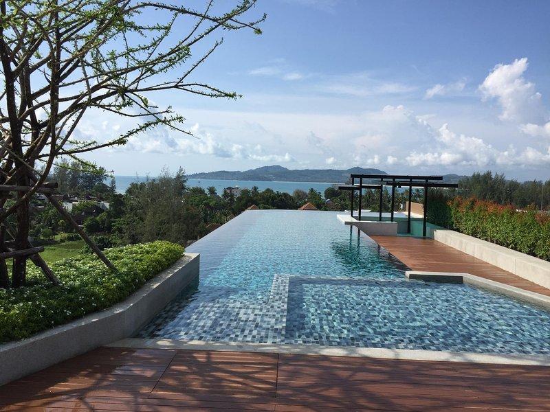 6Av 705 - Luxury condo in Surin beach, rooftop bar, pool and gym, alquiler vacacional en Bang Tao Beach