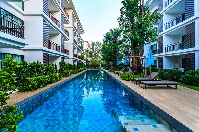 The Title Rawai beachfront. Convenient apartment with washer, casa vacanza a Ya Nui