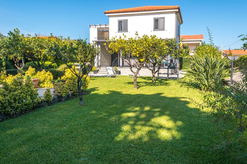 Villa Sara, holiday rental in Lascari