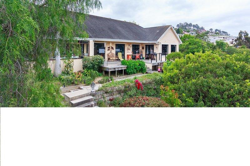 Knysna AMBIENTE guest house, vacation rental in Noetzie