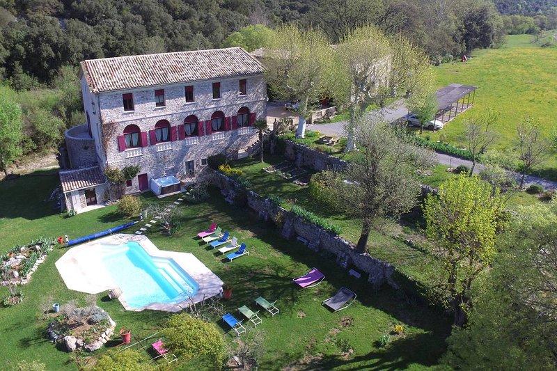 DOMAINE DE ROCHEBELLE Maison de vacances avec Piscine, Sauna & jacuzzi, Cévennes, location de vacances à La Cadière-et-Cambo