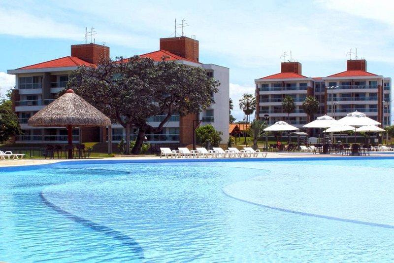 Vista da piscina e appartamenti / Vista e appartamenti della piscina