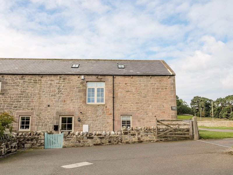 WATERMILL COTTAGE, countryside, good touring base, near Alnwick, casa vacanza a Eglingham