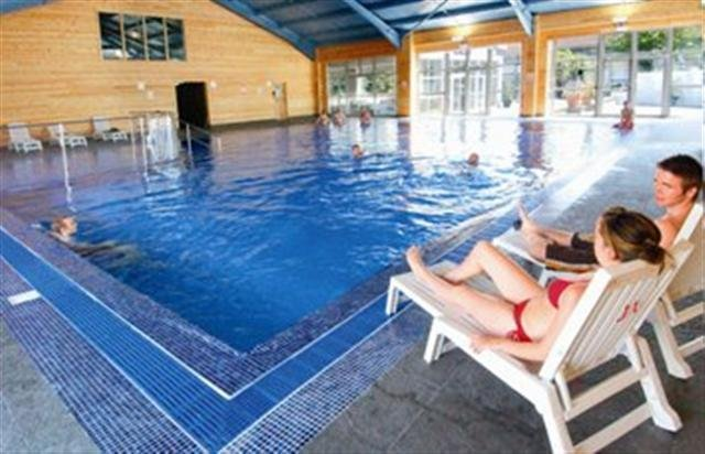 SPACIOUS 4 BED / 3 BATH HOLIDAY LODGE --   family resort with great facilities, vacation rental in Newquay
